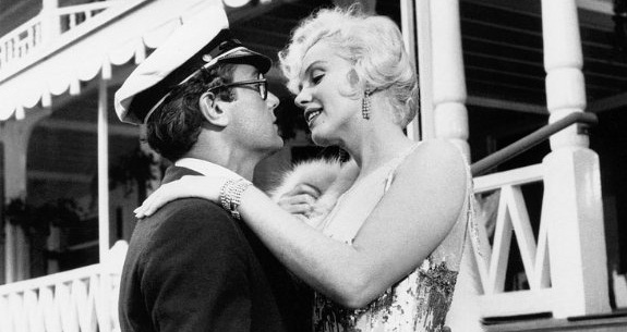 marilyn-monroe-tony-curtis-some-like-it-hot-c-mgm